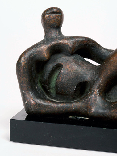 Henry Moore Sculpture, image 2