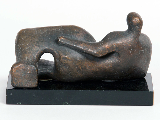 Henry Moore Sculpture, image 3