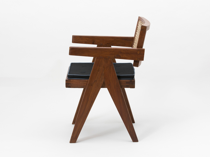 Pierre Jeanneret Set of Floating Back Armchairs, image 7
